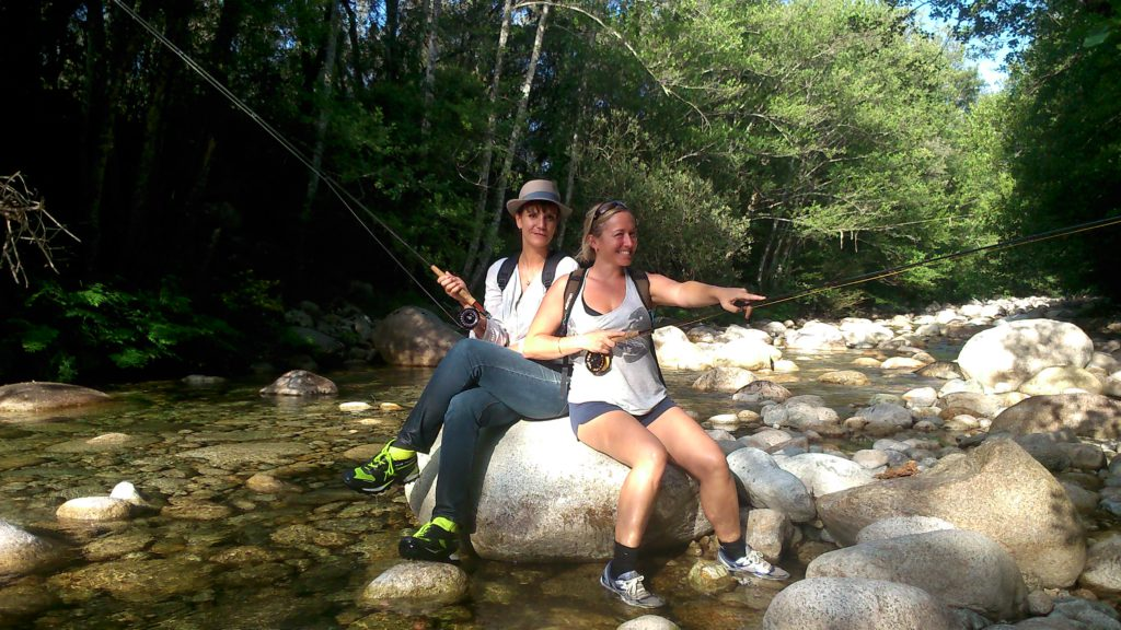 la pêche à la mouche un sport aussi pour les femmes